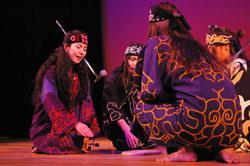 «Повстанцы» айну смешивают стили для распространения своей культуры