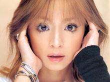 Японская поп-певица Аюми Хамасаки оглохла на левое ухо