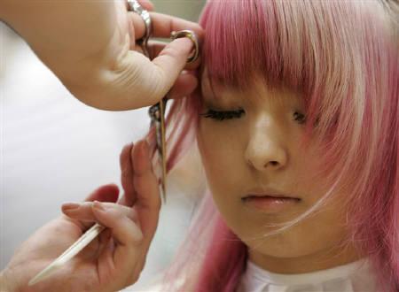 Причёски японских женщин отслеживают подъёмы и спады японской экономики