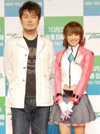 Акина Минами появилась в костюмчике из «ГАНДАМ 00»