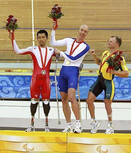 Велосипедист Масаки Фудзита принёс Японии первую медаль на Паралимпиаде в Пекине