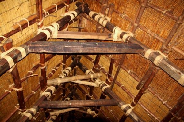 Внутреннее строение дома в Сиракаве