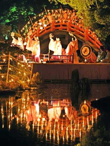 Фестиваль Сэнтомё (Sentomyo; Фестиваль тысячи свечей) в Дайдзафу (Dazaifu), Фукуока. 25.09.2008.