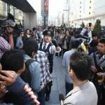 Флагманский магазин Apple в Гиндзе, Токио, и толпа желающих приобрести iPad. 28-е мая 2010 г.
