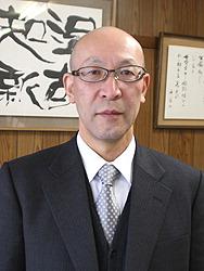 Г-н Нода, директор старшей школы Гудзё