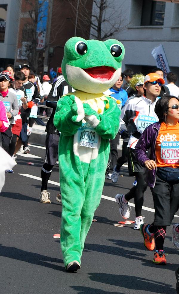 Фотографии участников Токийского марафона – 2011 [Автор фото: Fuzz and Fur]