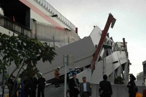 http://news.leit.ru/wp-content/uploads/2011/03/japan_devastating_earthquake_09.jpg