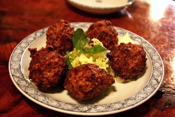 http://news.leit.ru/wp-content/uploads/2011/03/japan_kochi_cuisine_30.jpg