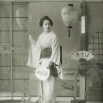 """""""Второе место"""" заняла гейша Момотаро 桃太郎. Здесь ей 19 лет, принадлежала дому Сагами-я квартала Синбаси"""