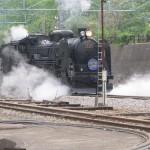 C61-20 движется по направлению к вагонам. После соединения состав отправится в Такасаки