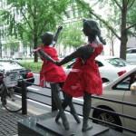 japan_midosuji_red_cloth_02