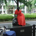 japan_midosuji_red_cloth_03
