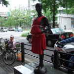 japan_midosuji_red_cloth_08