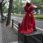 japan_midosuji_red_cloth_18