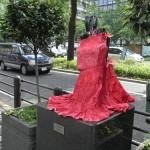 japan_midosuji_red_cloth_20