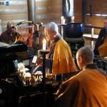Буддийские монахи предсказывают, каков будет урожай зерновых. Храм Моцу-дзи в Хираидзуми. 15- января 2008 г.