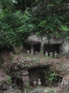 Горинто - древние надгробия