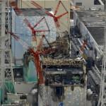Снизу вверх: руины реакторных зданий №№4,3,2,1 АЭС «Фукусима-1». 26-е февраля 2012 г.