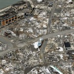 Рыбацкие лодки и всякий мусор на месте г. Намиэ (Namie), префектура Фукусима. 26-е февраля 2012 г.