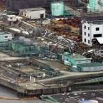 Покорёженные рельсы, различный мусор и руины неподалёку от АЭС «Фукусима-1». 26-е февраля 2012 г.