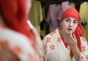 Изабелла Оноу, получившая сценический псевдоним Фукутаро, готовится к своему дебюту 30-го июня
