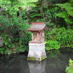 Храм на пруду?