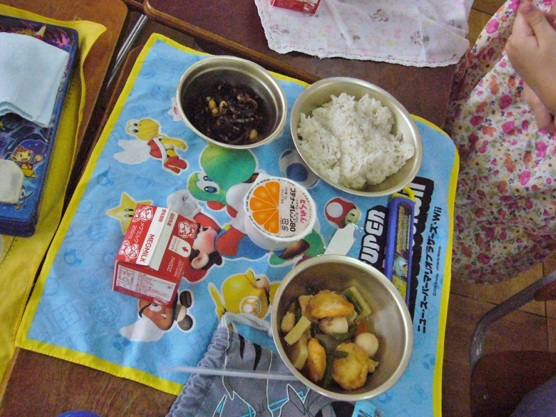 Обед в начальной школе