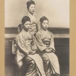 1899 год. На грани столетий мода пока еще придерживается националистических тенденций