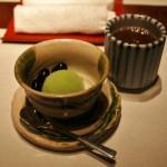 Десерт. Мороженое с зеленым чаем и сладкие черные бобы. Опять-таки с ходзи-тя