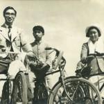 Мога и мобо с модными велосипедами