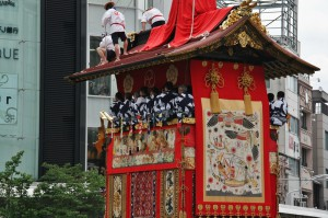 japanese_men_gion_matsuri_2013_053
