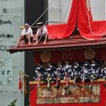 japanese_men_gion_matsuri_2013_058
