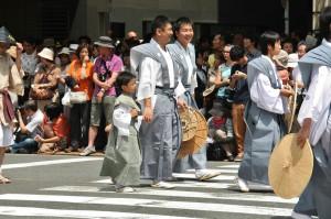 japanese_men_gion_matsuri_2013_095