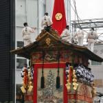 japanese_men_gion_matsuri_2013_113