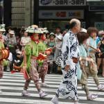 japanese_men_gion_matsuri_2013_117