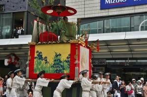 japanese_men_gion_matsuri_2013_129