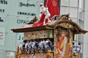 japanese_men_gion_matsuri_2013_131