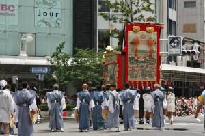japanese_men_gion_matsuri_2013_135