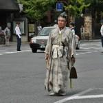Пеший представитель городской адмнистрации. Тоже в костюме самурая времен Камакуры. Почему был выбран именно этот стиль для городских представителей - не поняла, информации пока не нашла