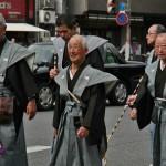 А эти веселые дедки - представители от разных общин города, внесших свой вклад в фестиваль