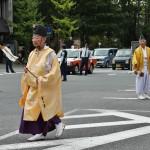 Почетные представители храма разных рангов при полном параде