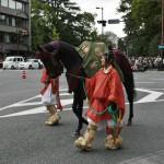 Храмовая лошадь при полном параде
