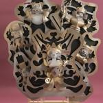 """Автор - Куросу Кадзукиё 黒須和清. Название - """"Манэки-нэко семь богов удачи"""". Вырезанные из бумаги семь счастливых японских богов в виде манэки-нэко. Целая куча удачи!"""