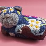 """Автор - Маганума Ранко 曲沼らん子. """"Круглый кот"""". Кот с цветочками и насекомыми. В общем, очередная кото-вселенная"""