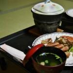 Прозрачный суп с рыбными фрикадельками и зеленью