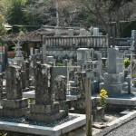 Старое кладбище в храме