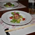 Тушеная свинина с весенней капустой и прочими овощами