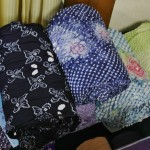 Хлопковые ткани для юкат, окрашенные также сибори. Помнится, где-то говорила, что юкаты - это самый дешевый вид кимоно. Беру свои слова обратно: конкретно эти юкаты лично мне не по карману, каждая - примерно треть, а то и половина месячного заработка мужа