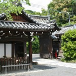 А это ворота храма изнутри