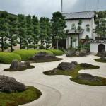 """Однако, одно из главных сокровищ храма - сад камней """"Дзю року ракан сэкитэй"""" (сад камней 16 архатов)"""